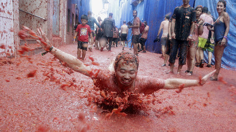 Tomato fight! Valencia celebrates annual festival
