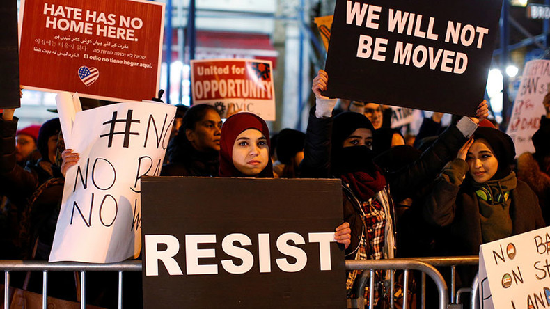 Supreme Court blocks 9th Circuit restrictions on Trump's refugee ban