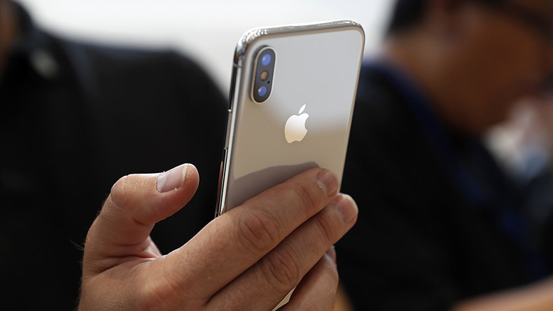 iPhone X facial recognition could give cops easy access to your cell