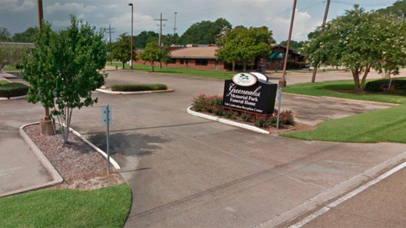 Pools of blood pictured on street outside Louisiana funeral home (PHOTO)