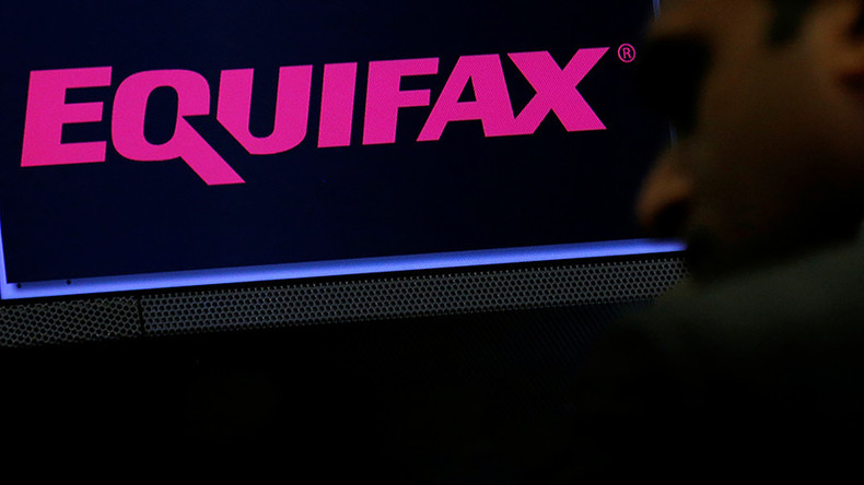 Equifax sends data breach victims to imposter site for nearly 2 weeks