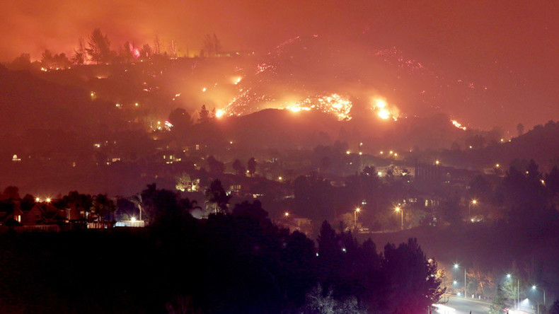 Evacuations as fire rages along California freeway (PHOTOS, VIDEO)