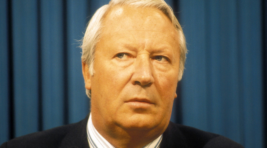Police ask staff of ex-PM Ted Heath if he smuggled young boys into Downing Street