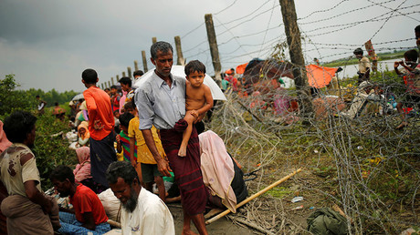Britain calls on Aung San Suu Kyi to act on 'ethnic cleansing' of Rohingya in Myanmar