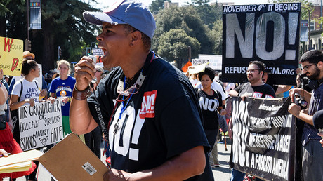 Counter protesters rally at a cancelled No Marxism in America event in Berkeley, California, U.S. August 27, 2017 © Kate Munsch