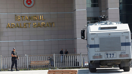 Gun battle outside Istanbul courthouse, at least 1 injured – local media