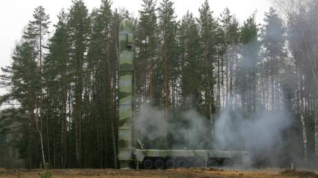 Russia test-fires 'Topol' ICBM with new advanced warhead