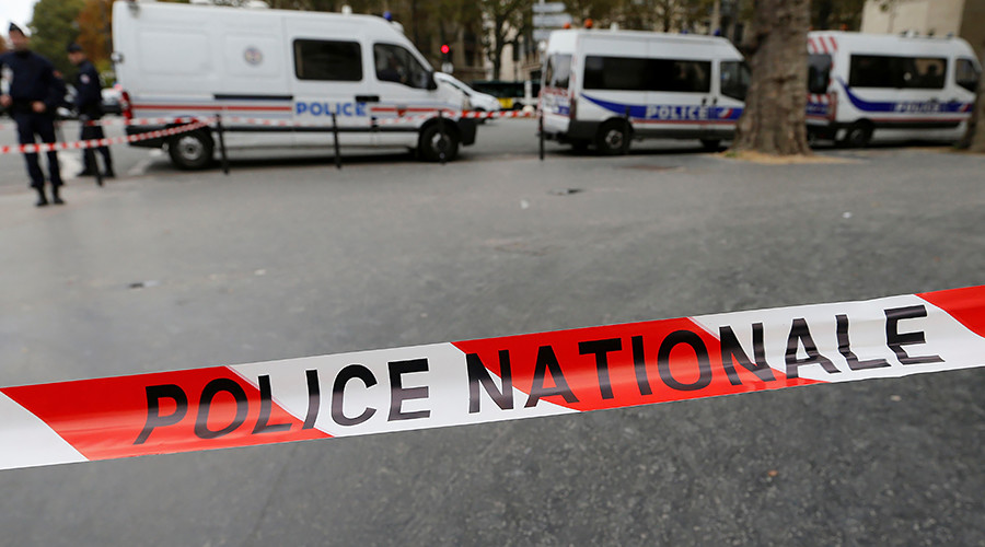 French soldiers shoot dead knife attacker who shouting 'Allahu Akbar' killed 2 in Marseille