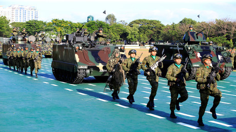 Philippines soldiers and tanks during a militray. © Romeo Ranoco