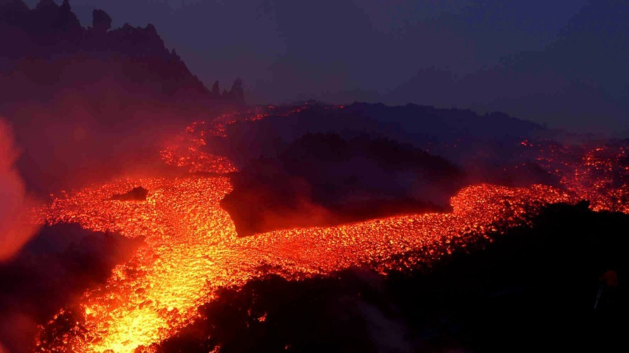 Sliding Mount Etna poised to trigger catastrophic Mediterranean tsunami, experts warn