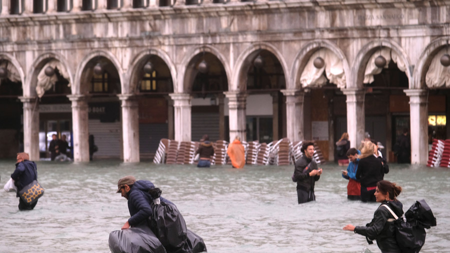 75% of Venice under water after unusually high tide strikes famed city (VIDEO, PHOTOS)