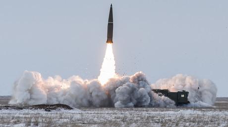 Launching the Iskander-M ballistic missile system at the Kapustin Yar range in the Astrakhan Region © Sputnik