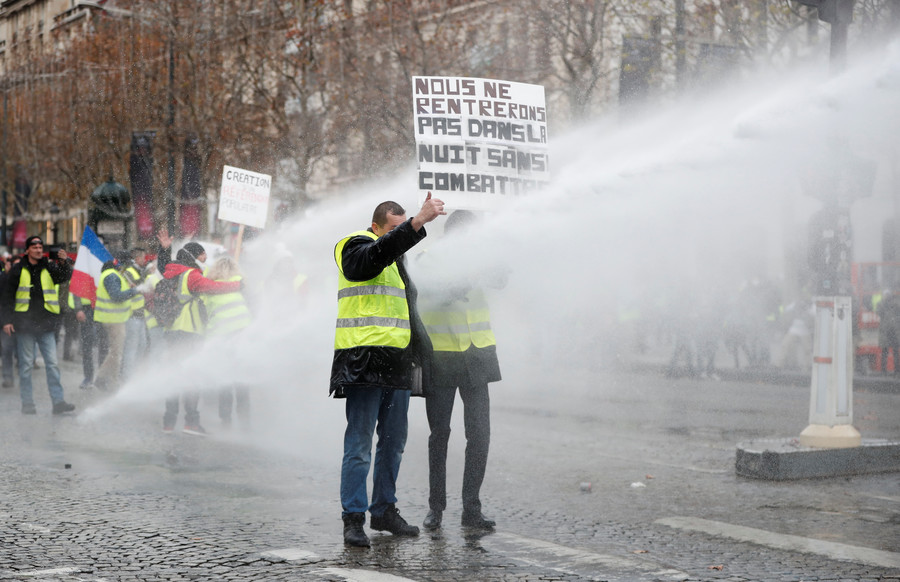 Protest in Paris © Reuters / Benoit Tessier
