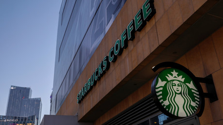 A Starbucks sign at one of the companies stores in Los Angeles, California, U.S. October 19, 2018. © Reuters / Mike Blake