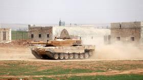 Turkey deploys extra tanks to Syrian border amid tension over Manbij – media