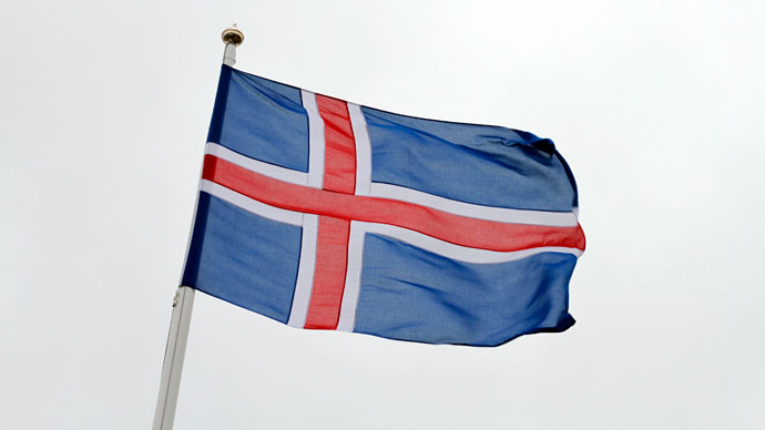 Iceland considers dropping its currency
