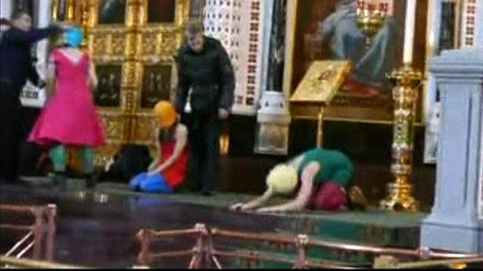 Pussy Riot anniversary: Masked activists detained at Moscow cathedral