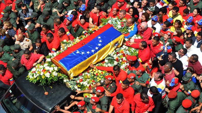 'Farewell, Comandante:' Venezuelans throng to view Chavez's body in state (PHOTOS)