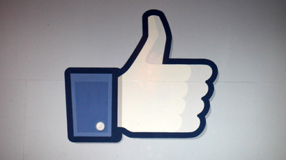 Facebook users risk identity theft