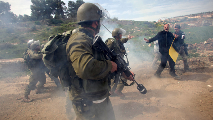 Israeli troops kill Palestinian, injure several in West Bank clashes