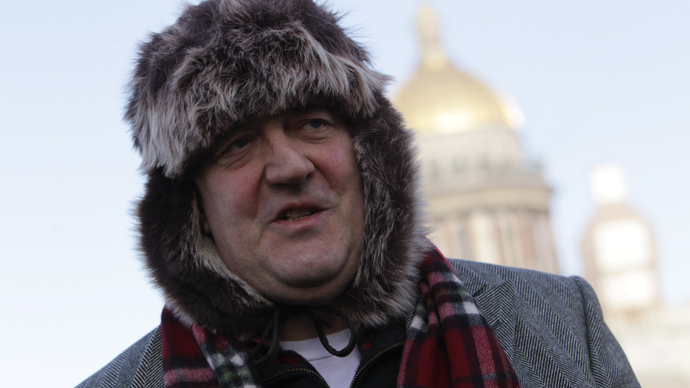 Actor and writer Stephen Fry seen outside St Isaac's Cathedral in St Petersburg (RIA Novosti / Igor Rustak)