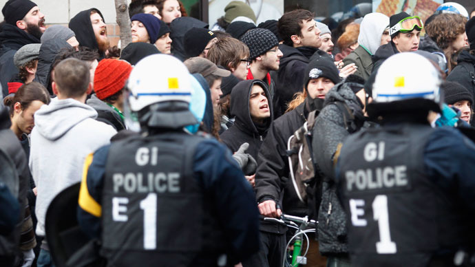 Demonstrators are kettled and arrested by police during the annual anti-police brutality march in Montreal, March 15, 2013.(Reuters / Christinne Muschi)