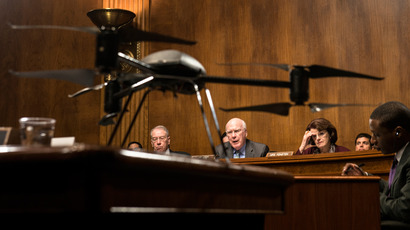 Committee ranking member US Senator Chuck Grassley (L) and Senator Dianne Feinstein (R) listen as committee chairman Senator Patrick Leahy (C) speaks during a hearing of the Senate Judiciary Committee on Capitol Hill, March 20, 2013 in Washington, DC  (AFP Photo / Brendan Smialowski)