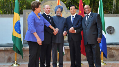 Delegation leaders from countries participating in the emerging economies association BRICS: Brazil's President Dilma Rusef, Russian President Vladimir Putin, Indian Prime Minister Manmohan Singh, Chinese President Hu Jintao and South African President Jacob Zuma (from left) at a photograph session (RIA Novosti/Aleksey Nikolskyi)
