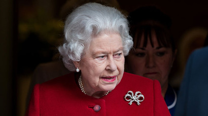 Queen not amused by mobile phones