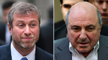 Russian billionaire Roman Abramovich (L) and russian tycoon Boris Berezovsky (AFP Photo)