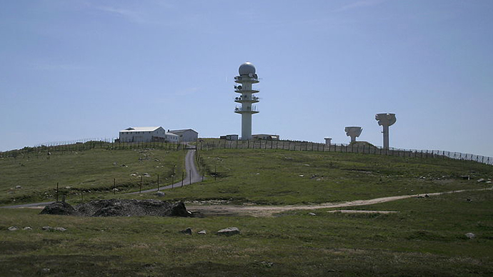 A general view of the military base of Pierre sur Haute, located in the Monts du Forez. (Image from wikipedia.org / Photo by S. Rimbaud)