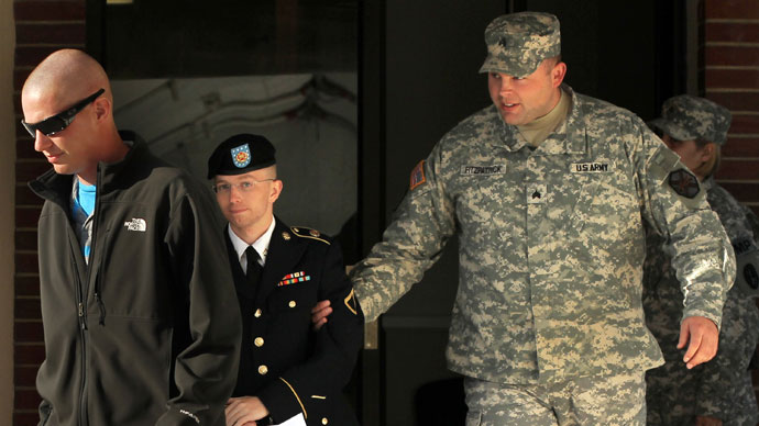 Military officer tells journalists to 'police' each other at Manning trial