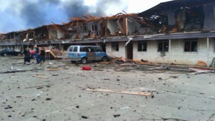 Texas explosion: Ruins, smoke, burning homes filmed shortly after blast (VIDEO)