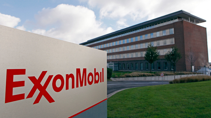 ExxonMobil claims in dispute as spill reaches Arkansas lake
