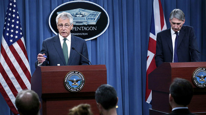 Secretary of Defense Chuck Hagel (L) and British Secretary of State for Defense Philip Hammond (R) conduct a press conference at the Pentagon May 2, 2013 in Arlington, Virginia (AFP Photo / Alex Wong)