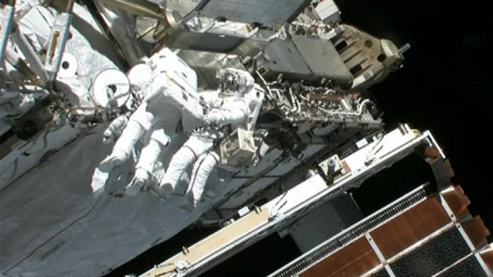 ISS crew fixes coolant leak during spacewalk — RT News