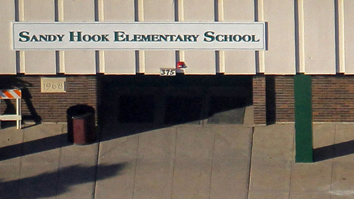 Sandy Hook Elementary: Tear it down and build new school on same site, panel says