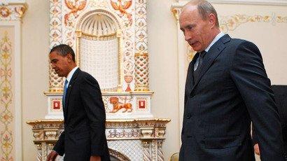 U.S. President Barack Obama (L) and Russian Prime Minister Vladimir Putin in Moscow (Reuters / Jim Young)