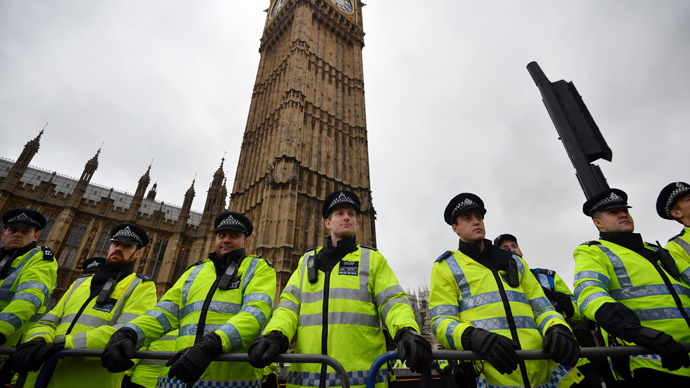 Endemic gagging: Over 300 UK police silenced with taxpayer millions – report