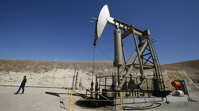 A pumpjack drills for oil in the Monterey Shale, California, April 29, 2013. (Reuters / Lucy Nicholson)