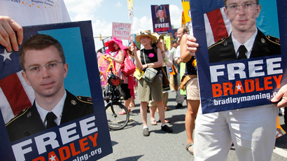 Marchers begin their protest to call for the release of jailed U.S. Army Private Bradley Manning, a central figure in the Wikileaks case, outside the gates at Fort Meade, Maryland, June 1, 2013 (Reuters / Jonathan Ernst)