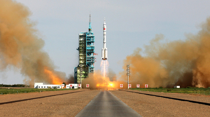 The Long March 2-F rocket loaded with Shenzhou-10 manned spacecraft carrying Chinese astronauts Nie Haisheng, Zhang Xiaoguang and Wang Yaping lifts off from the launch pad in the Jiuquan Satellite Launch Center, Gansu province June 11, 2013 (Reuters / Stringer)