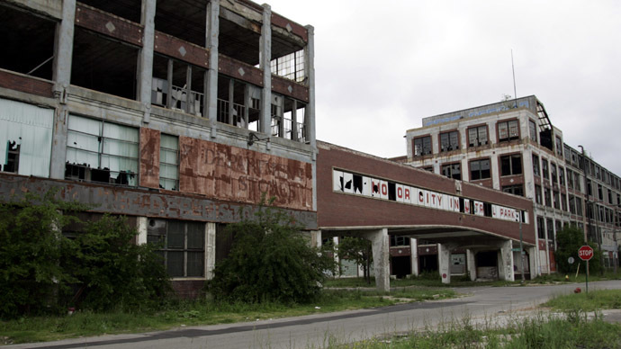 The abandoned and decaying Packard Motor Car Manufacturing plant, built in 1907 and designed by Albert Kahn, is seen near downtown Detroit (Reuters/Rebecca Cook)