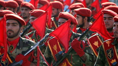 Soldiers of Iran's elite Revolutionary Guards (AFP Photo / Atta Kenare)