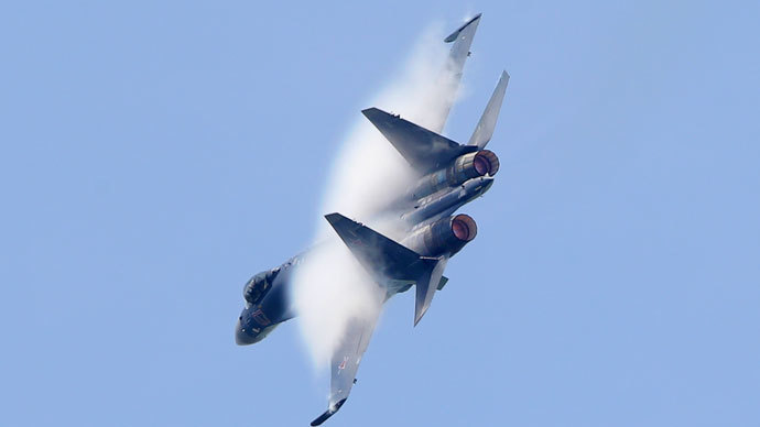 A Sukhoi Su-35 fighter takes part in a flying display, during the opening of the 50th Paris Air Show, at the Le Bourget airport near Paris, June 17, 2013.(Reuters / Pascal Rossignol)