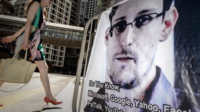 A banner displayed in support of former US spy Edward Snowden in Hong Kong on June 18, 2013. (AFP Photo / Philippe Lopez)