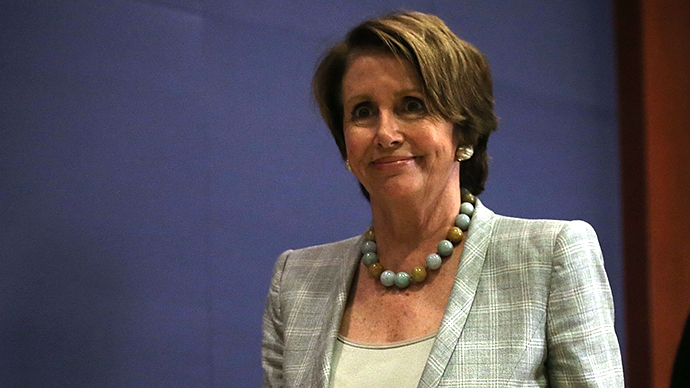 Pelosi booed for defending NSA wiretapping