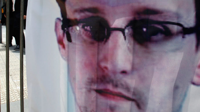 Snowden summoned Americans 'to confront the growing danger of tyranny,' father says