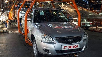 Assembly of a new Lada Largus, at the OAO AvtoVAZ factory in Togliatti (RIA Novosti / Andrey Holmov)
