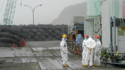 Workers take a break at Japan's Fukushima Dai-ichi nuclear plant in Okuma town in Fukushima prefecture (AFP Photo)